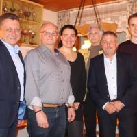 Der neue Vorstand des SPD-Ortsvereins: V.l.: Bürgermeister Klaus Korneder, Klaus v. Buxhoeveden (Kassier), Barbara Moll (stellvertr. Vorsitzende), Gudrun Thöle (Schriftführerin), Uli Hammerl (Vorsitzender), Mark Leinz (Juso-Vertreter)